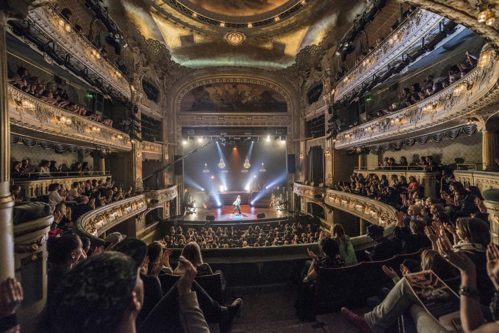 Dramaten stora scen under föreställning